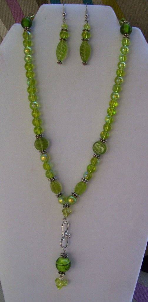 light emerald green beaded dangle necklace