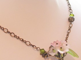 pink flower bouquet necklace, wire wrapping, filigree, pink, green