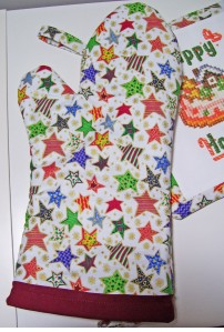 christmas stars oven mitt, white, red trim, happy holidays