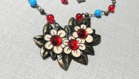 Flower trio necklace