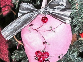 Victorian heart christmas ornament, pink floral, green ribbon