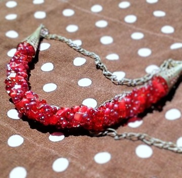 ruby reds woven necklace