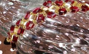 red and gold diamond bracelet 4