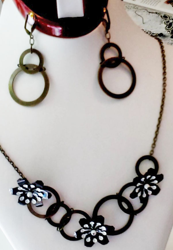bronze circles necklace