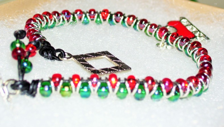 red and green modern holiday bracelet