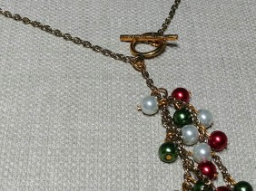 Holiday pearl necklace set